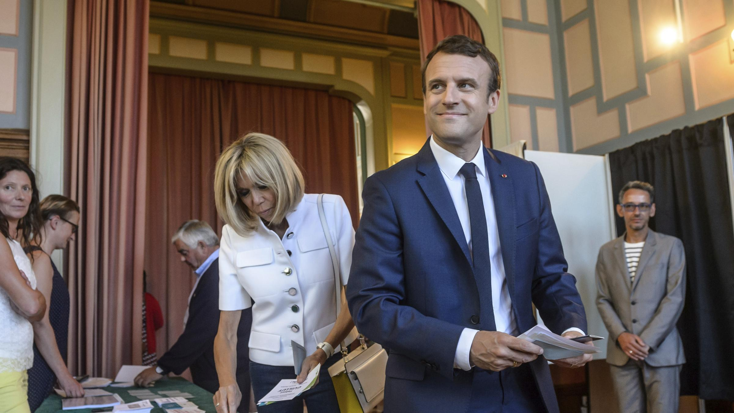 French see no one to counter Macron, set to sweep parliament class=