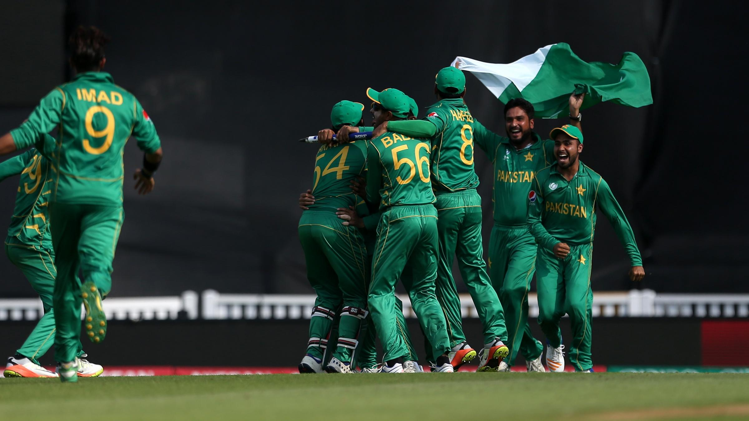 Pakistan smash 338 vs India in Champions Trophy final
